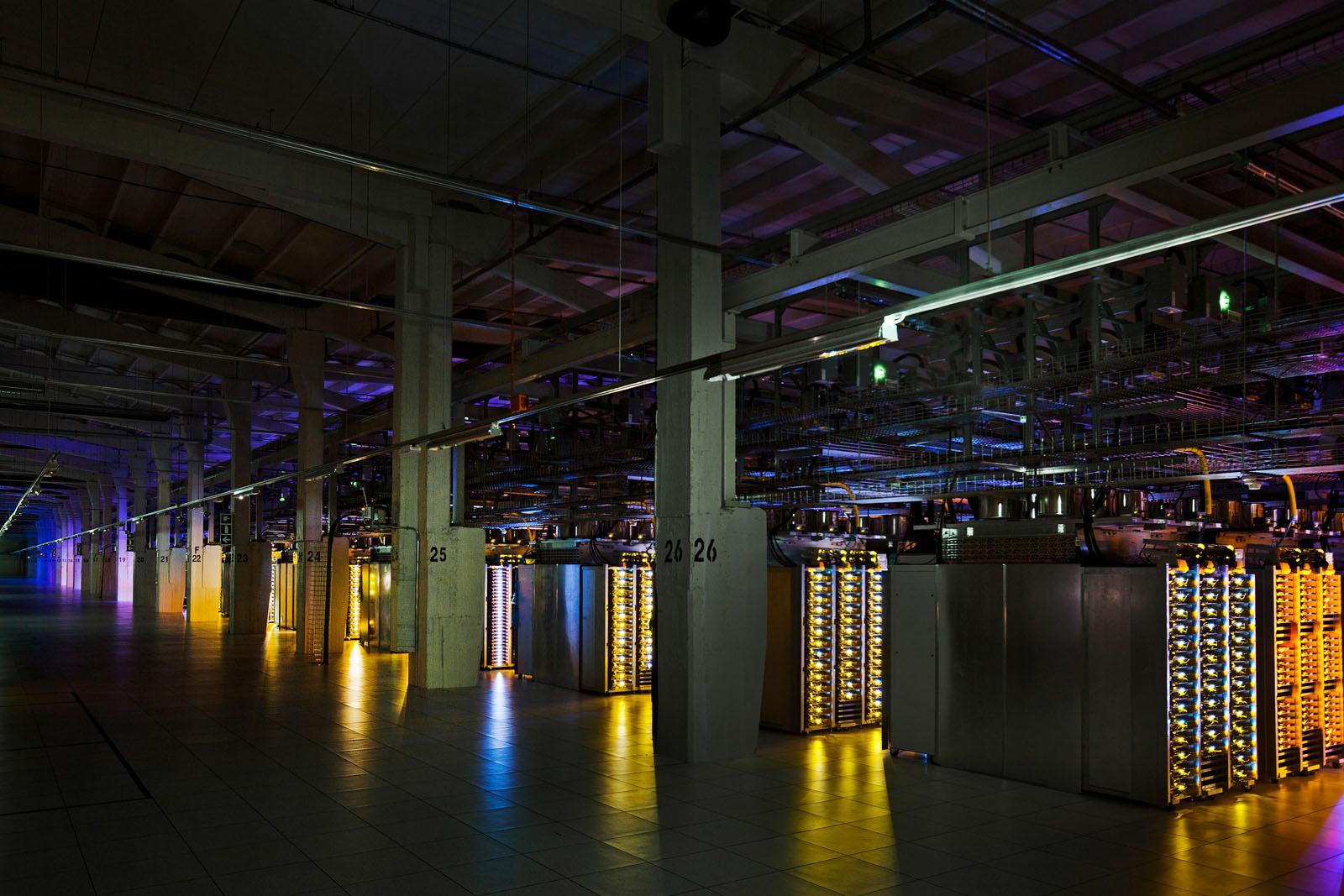 Inside Google S High Tech Data Centers Idesignarch