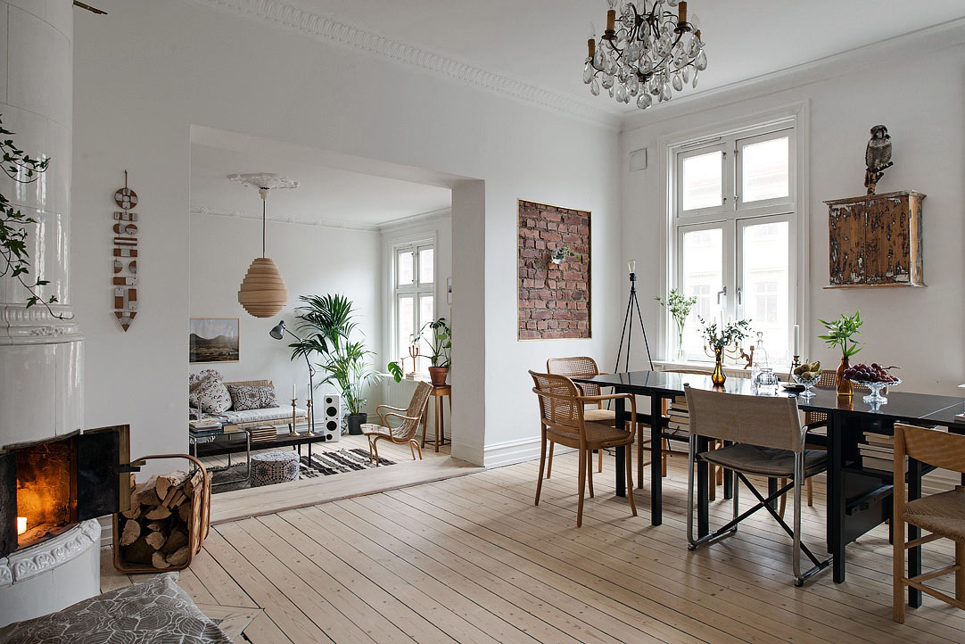 Stylishly Renovated Modern Apartment With Wooden Floor And