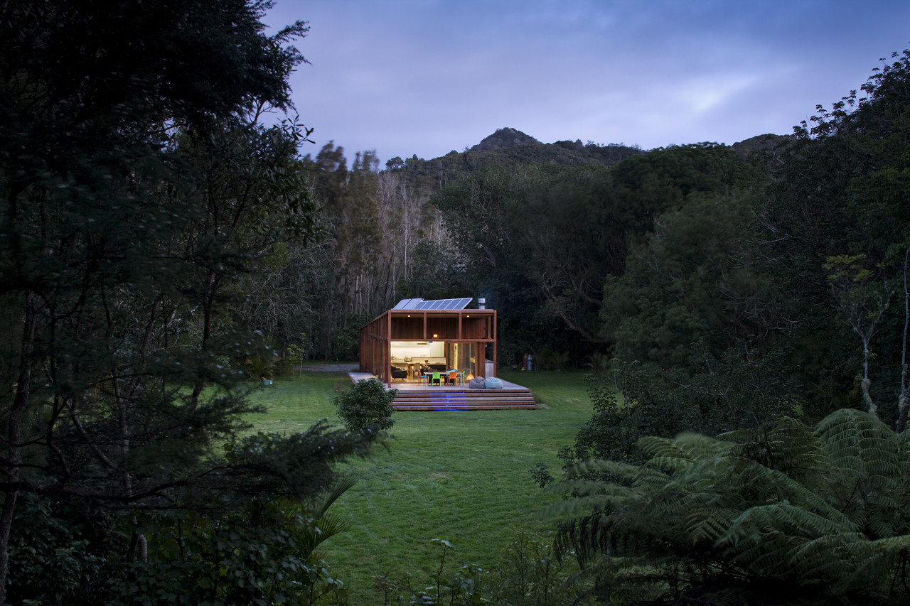 Solar-Powered Modern Timber House in the Countryside