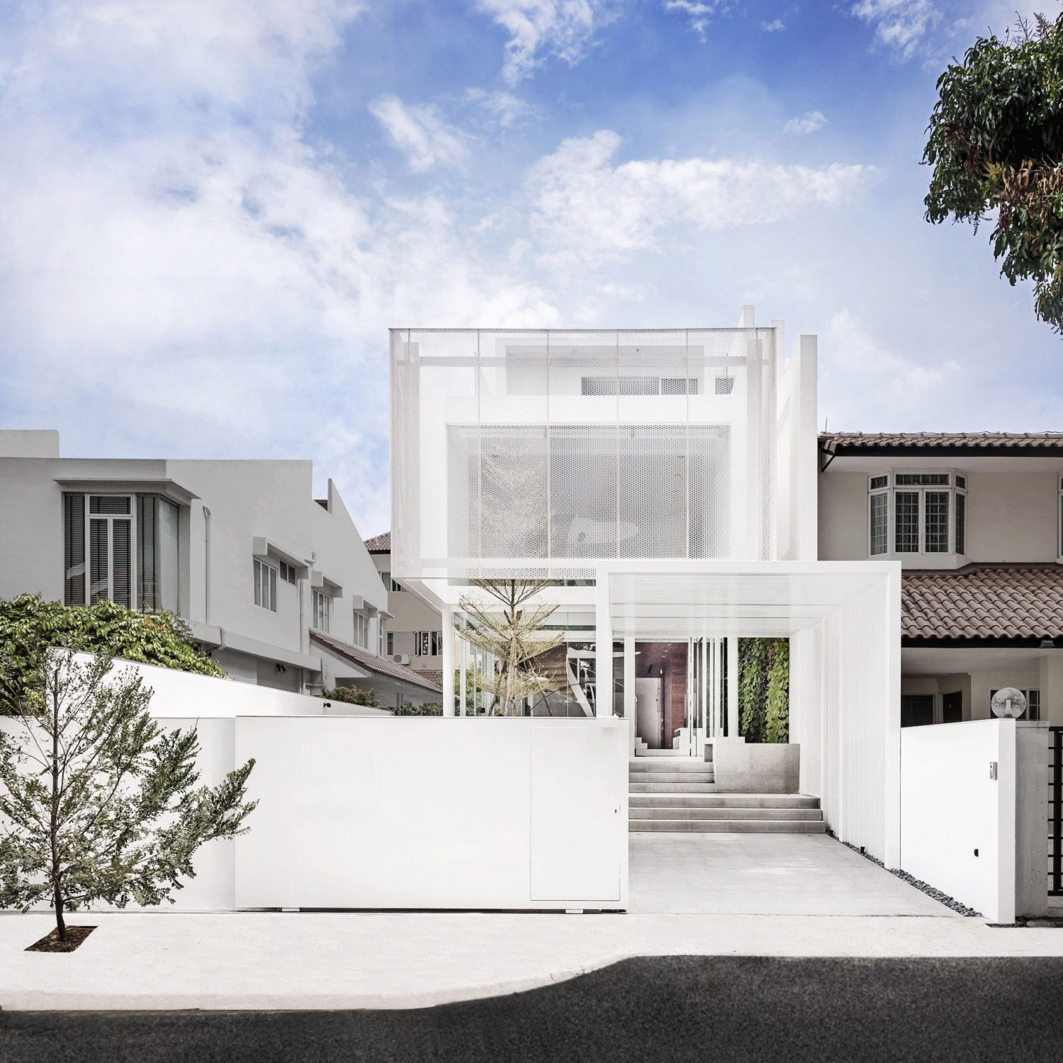 A Minimalistu0027s Dream Home In Singapore With A Privacy Wrapped White Mesh