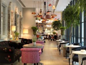 Restaurant & Bar Interior Decor