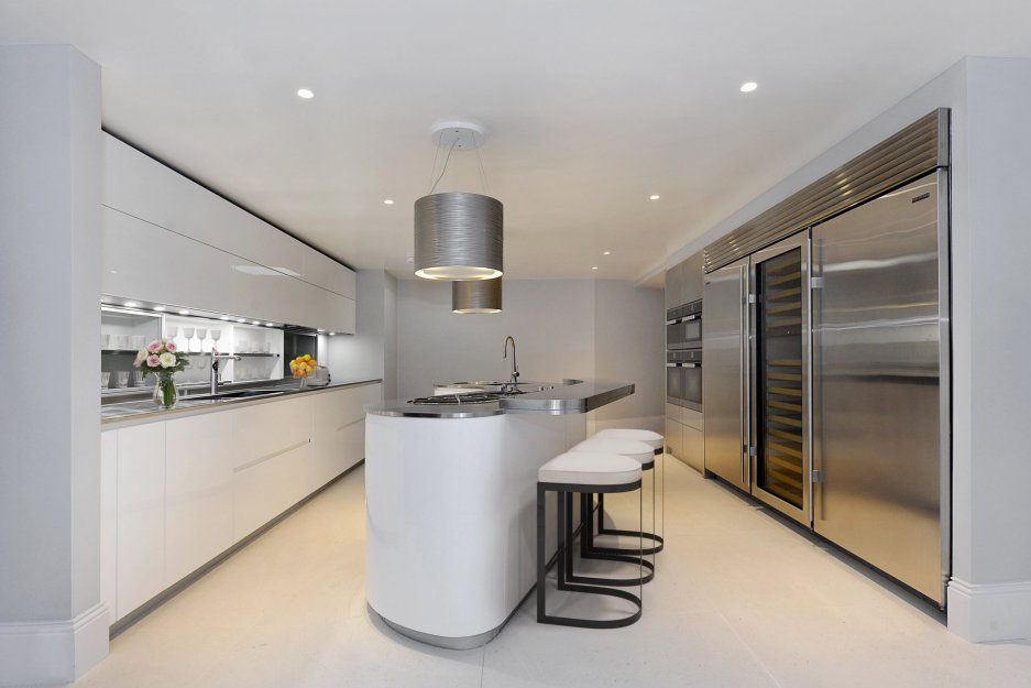 State of the Art Modern Kitchen