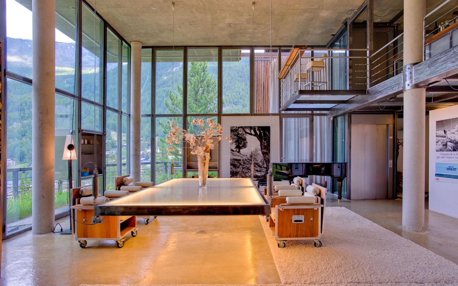 Heinz Julen Ultra Contemporary Mountain Chalet Loft