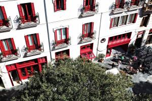 Hotel Cort alabaster façade