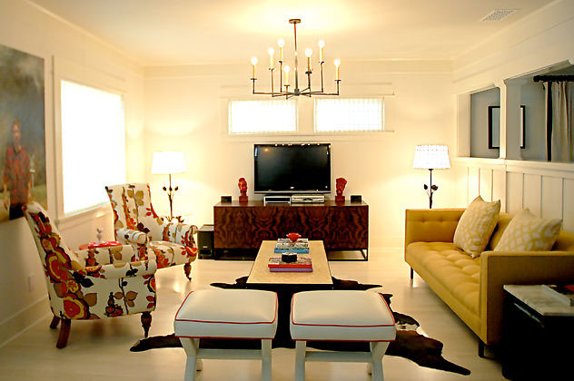 Living room design with custom vintage furnishings - Pictures of interior design living rooms ...