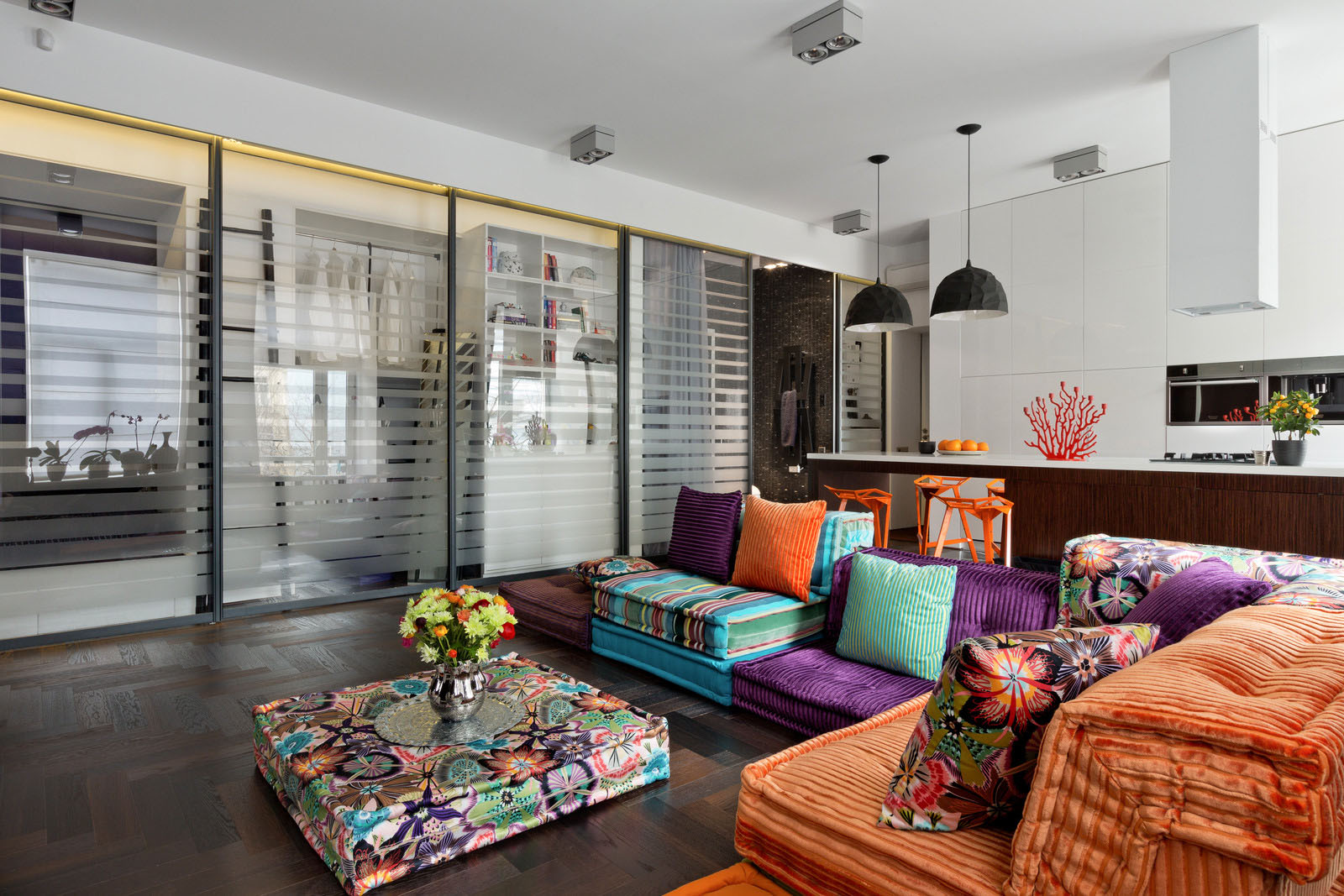 Modern Apartment with Colorful Decor
