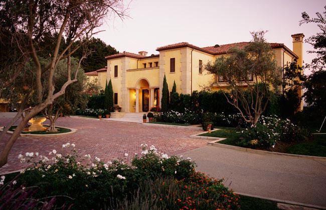 Stunning Tuscan Villa In Benedict Canyon Idesignarch