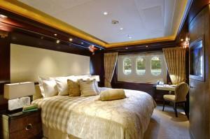 Super-Yacht-VIP-Suite