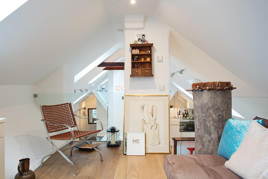 Cozy Loft Study Room
