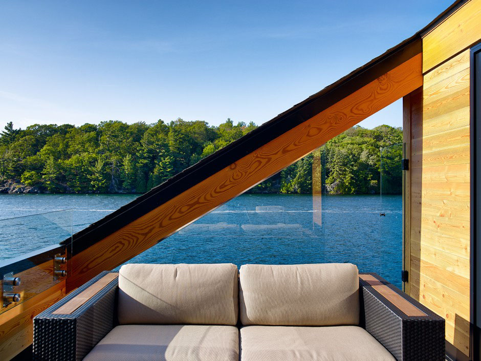Modern Lakeside Terrace