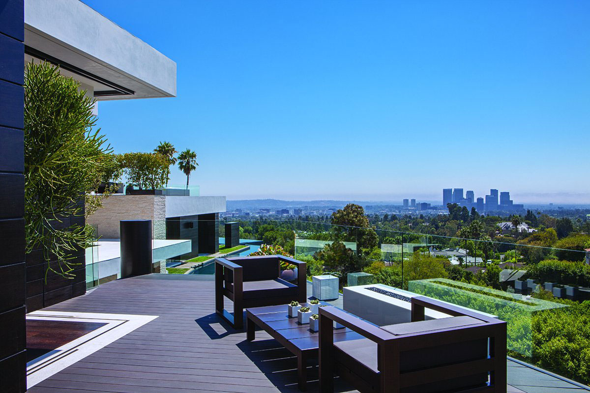 Luxury Outdoor Terrace with View