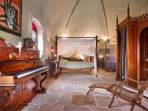 Johnny Depp Designed Guest Room