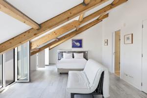 Chic Attic Penthouse Bedroom