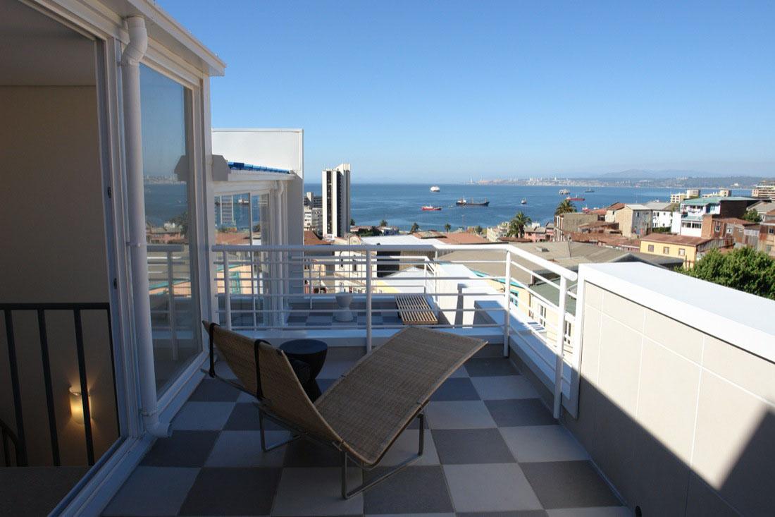 Cool Hill Side Lofts In Valparaiso Idesignarch