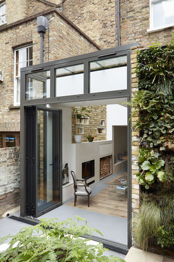 Renovation And Extension Of A Georgian House With Narrow