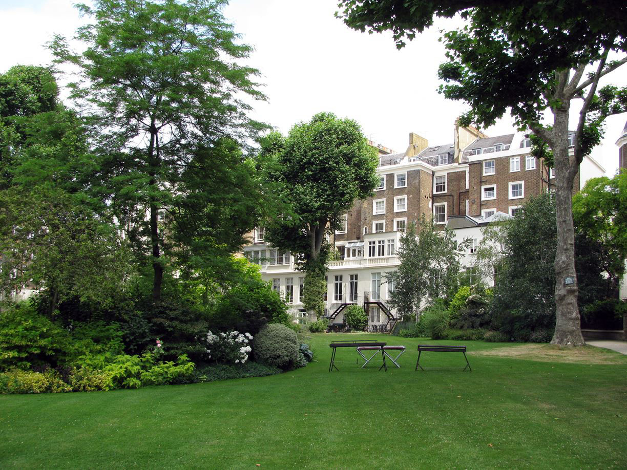 London Apartment Garden