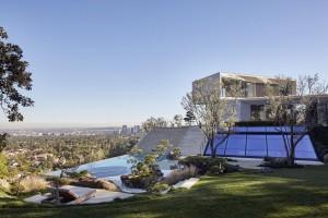 Dramatic Hillside Modern Villa