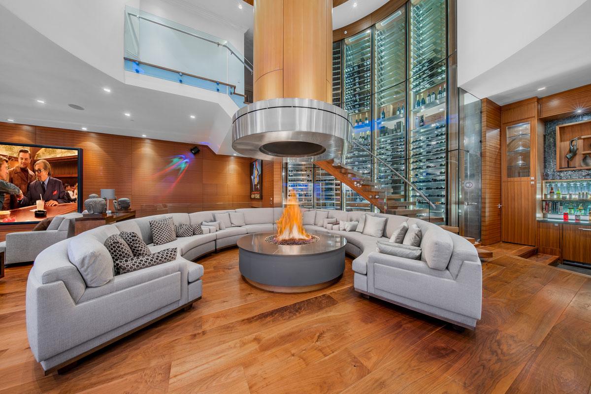 Luxury-Contemporary-Home-Glass-Wine-Storage-Living-Room ...