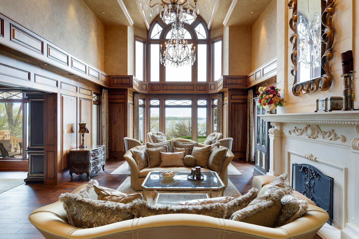 Luxury Home Grand Living Room with Lake View
