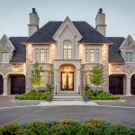 The Art of Detail: A Majestic Mansion with Impeccable Craftsmanship
