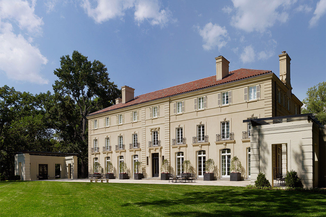 French Neoclassical Mansion On A Bluff Over The Potomac