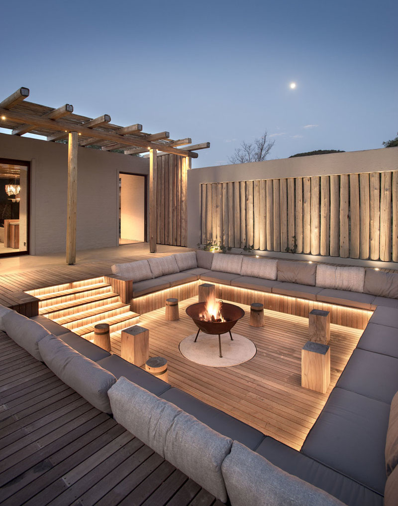Luxury Country House Cozy Firepit