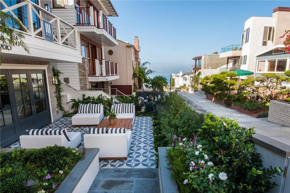 Large Beach House Patio with Ocean View
