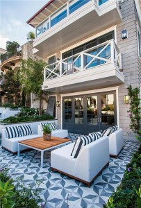 Large Summer Beach House Contemporary Patio