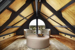 Attic Loft Lounge with View