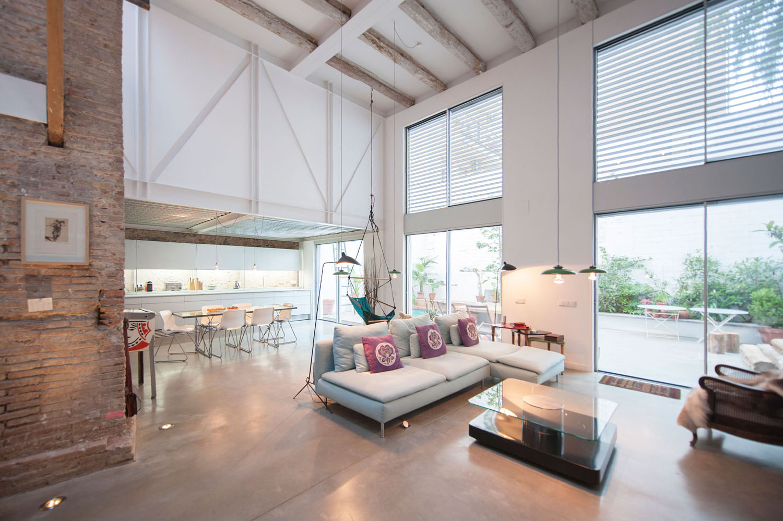Open Plan Contemporary Home