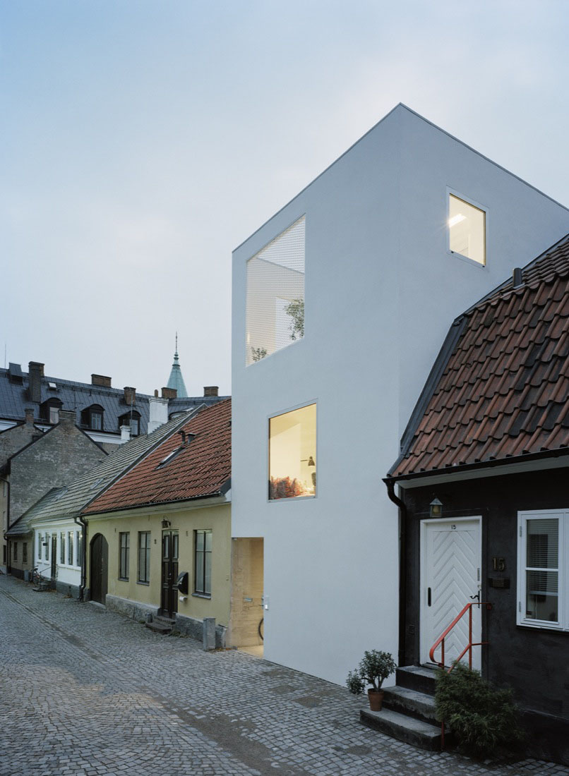 Minimalist Townhouse Between Old Buildings Idesignarch