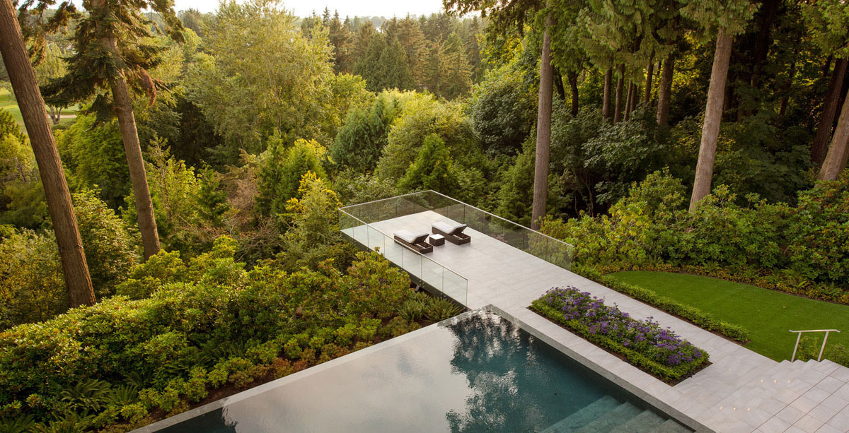 Modern-Cantilevered-Deck-on-Historic-Estate-Vancouver-Canada_6