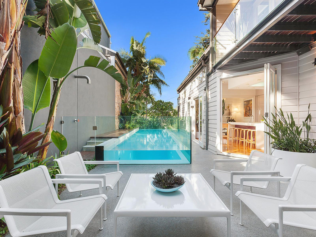 Unique Suburban Modern Home with Courtyard Swimming Pool ...