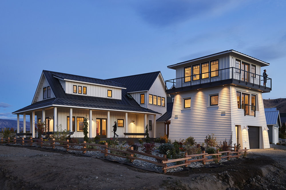 Modern Farmhouse Style Vacation Home with Additional ...