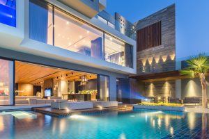 Modern Luxury Home with Oceanfront Swimming Pool