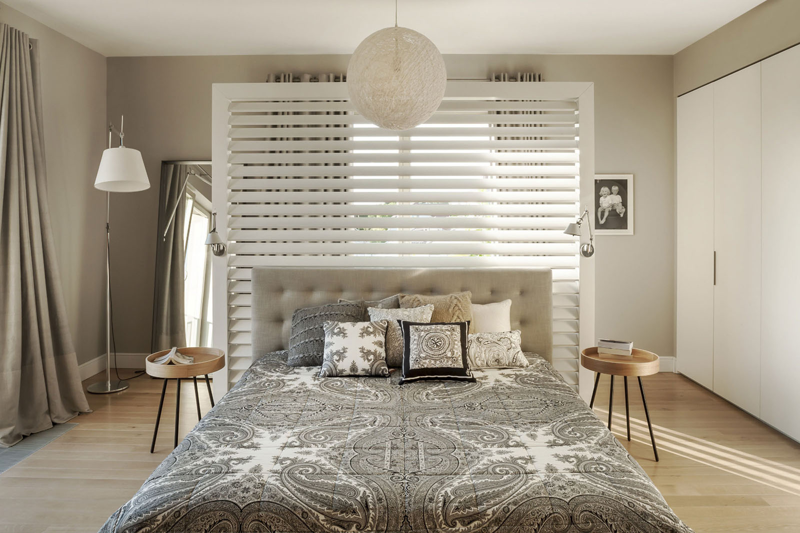 Simple Elegant Contemporary Bedroom