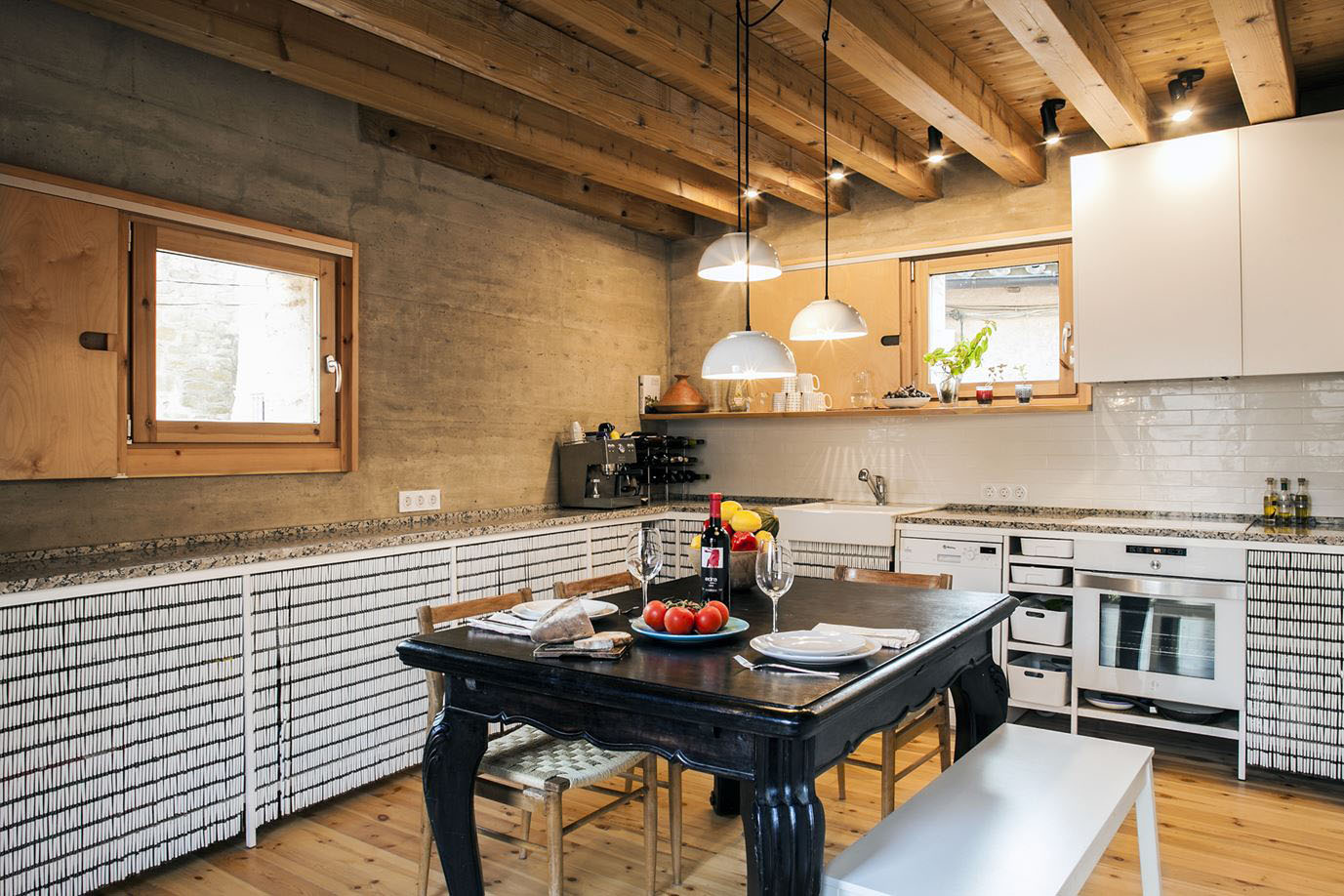 Kitchen with Pine Wooden Planks Ceiling Beams