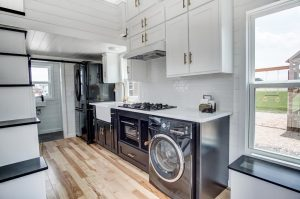 Tiny House Luxury Kitchen with Quartz Countertop