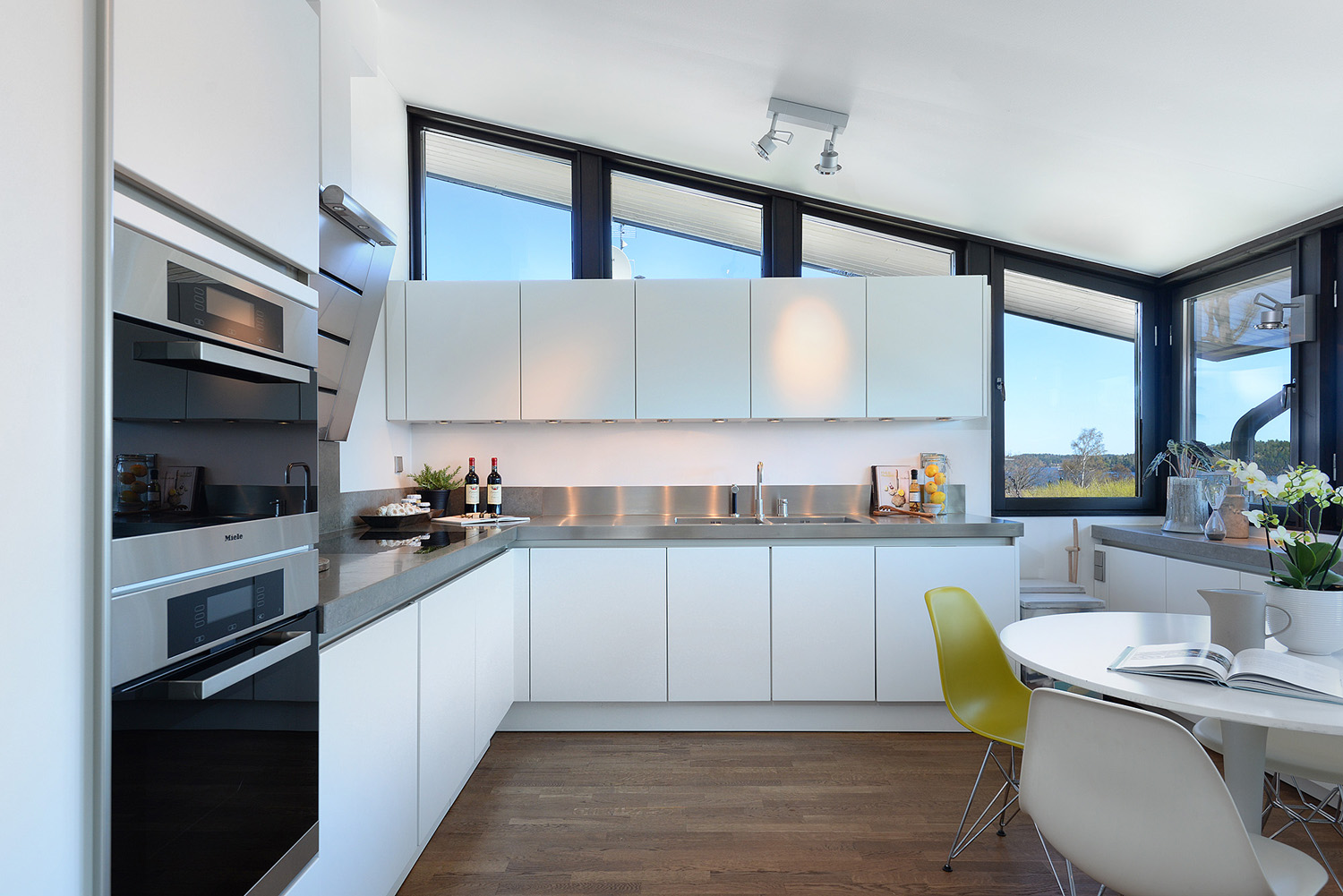 Modern Scandinavian Style Kitchen