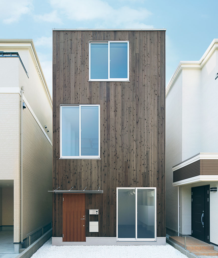 Minimalist Vertical House By Muji The Ultimate Prefab Pack Home Kit