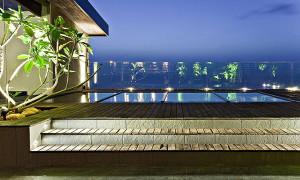 Ocean View Apartment Swimming Pool