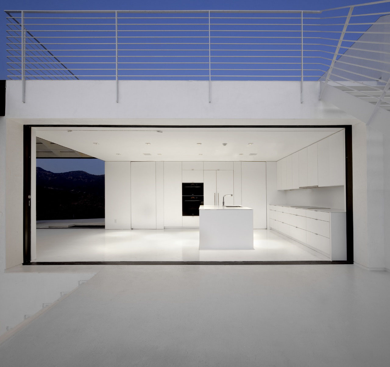 Abstract Minimalist House In Hollywood Hills
