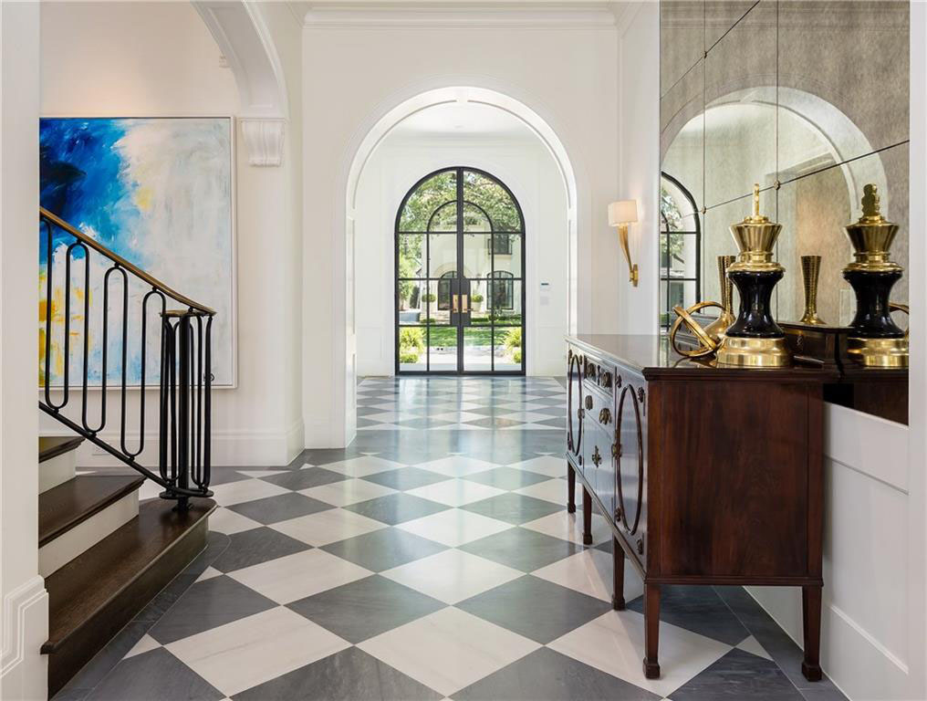Elegant Traditional Foyer