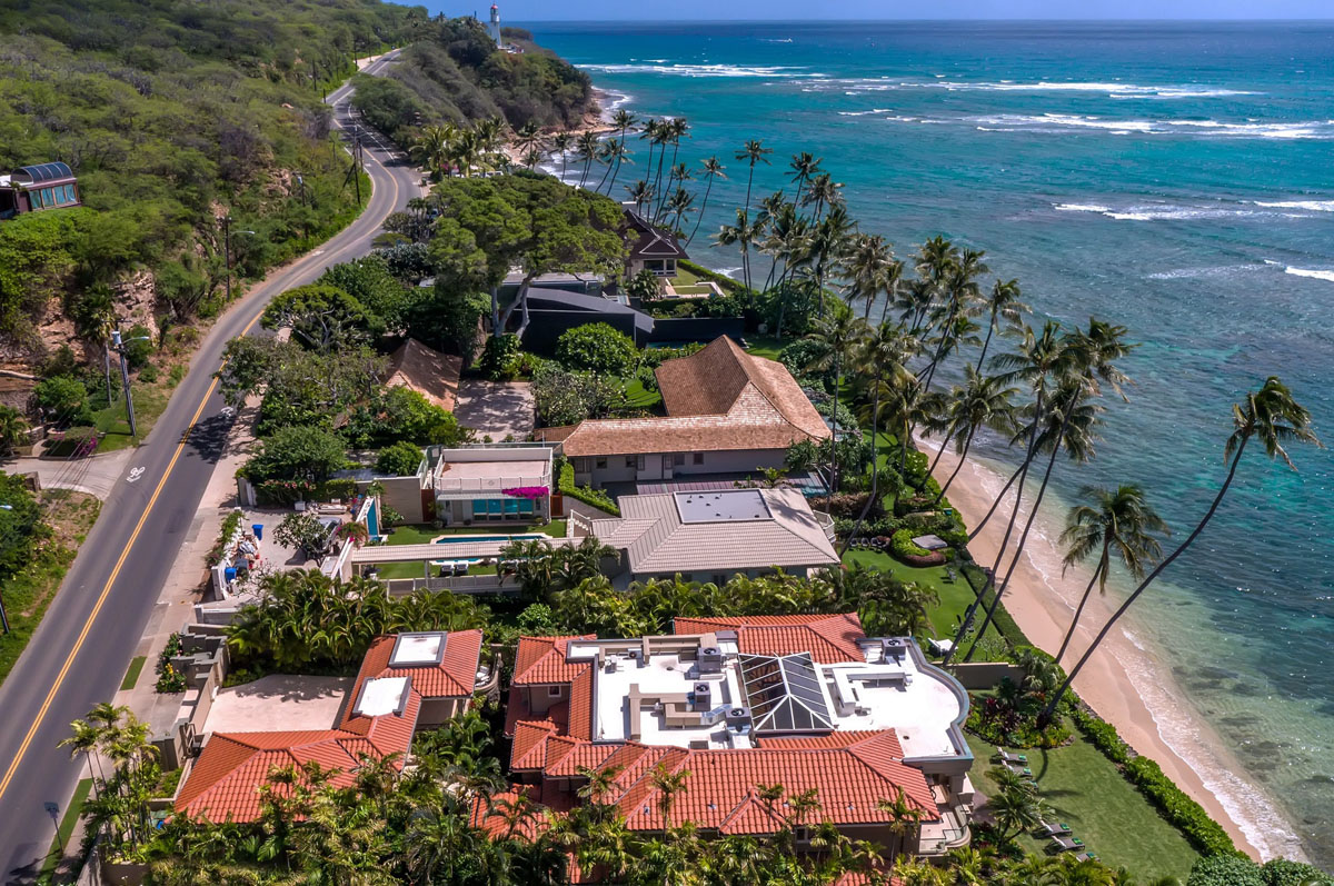 Oceanfront Home In Honolulu With Stunning Architectural