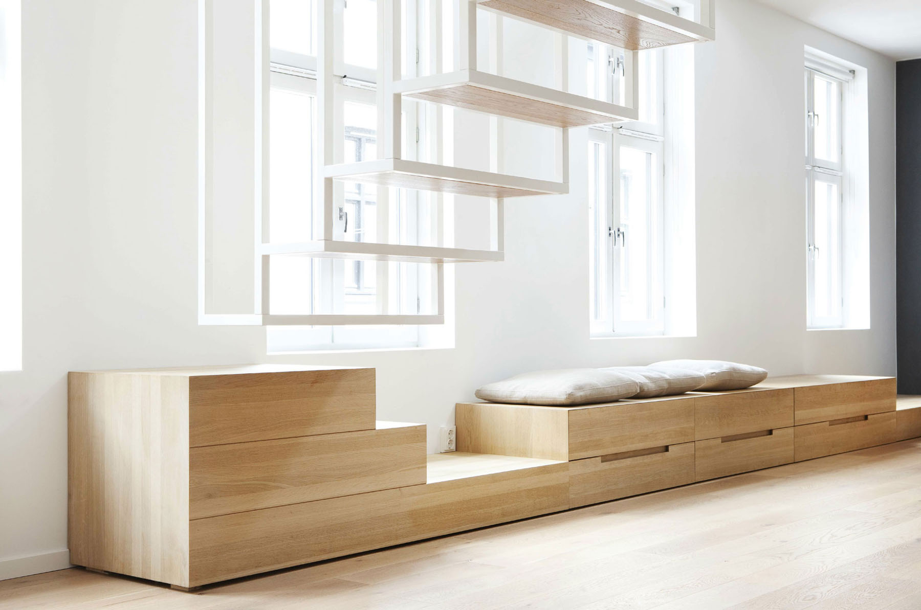 Wooden Storage Bench with Drawers