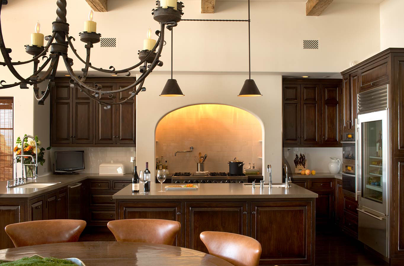 Colonial Homes Kitchen Design