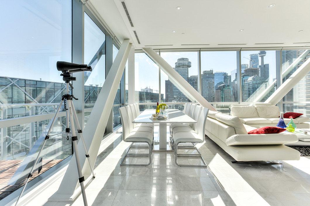 Elegant Toronto Waterfront Luxury Penthouse With Floor To