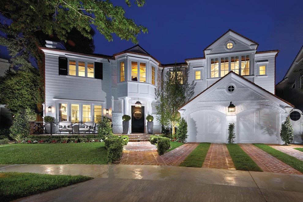 Elegant Coastal Style Contemporary Custom Home In Newport