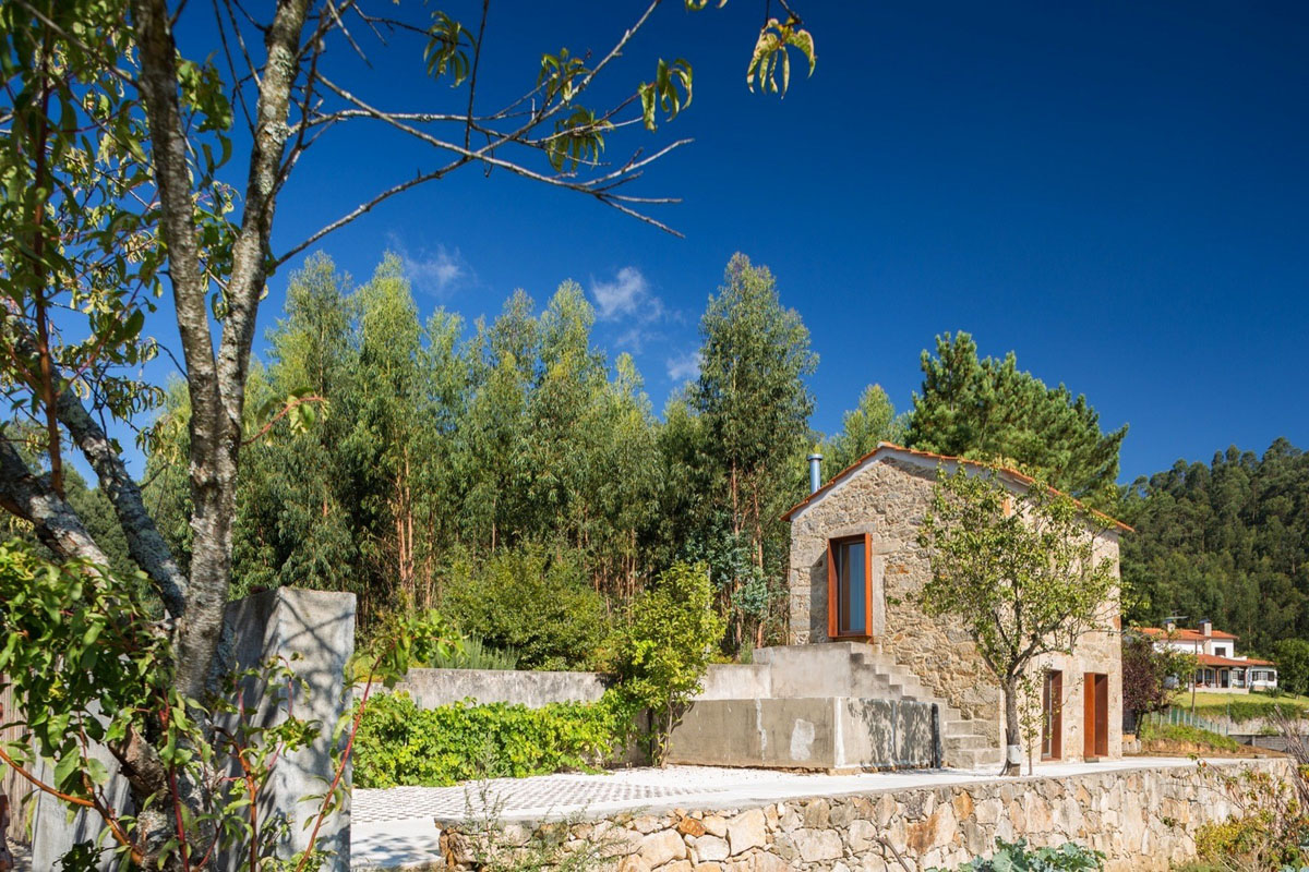 Cozy Country Stone House in Portugal