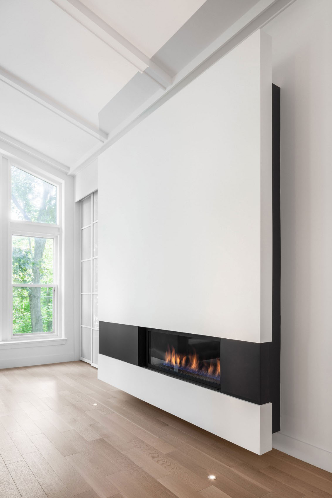 Stylish Minimalist Modern Fireplace